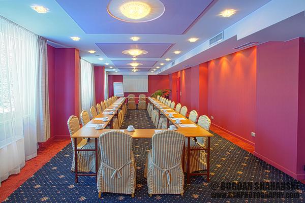Интериорна Фотография © Богдан Шахънски за Silver House Hotel